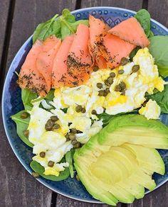 17.6 тыс. отметок «Нравится», 209 комментариев — Whole Foods Market (@wholefoods) в Instagram: «A no-recipe-required #lunch from @realfoodwithdana. Smoked #salmon, scrambled eggs, avocado and…»