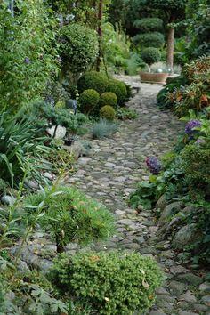 HAVETID: Klip i haven.