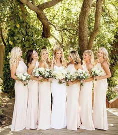 Bridesmaid Dresses Beautiful bride Shelby dresses her bridesmaids in the Isabella Dress in Nude. Photo: - Beautiful bride Shelby dresses her bridesmaids in the Isabella Dress in Nude. Cream Bridesmaids, Neutral Bridesmaid Dresses, Champagne Bridesmaid Dresses, Bridesmaids And Groomsmen, Wedding Bridesmaids, Wedding Dresses, Bridesmaid Color, Affordable Bridesmaid Dresses, Bridesmaid Outfit