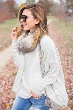 Blogger @rebeccahillyard shows you how to best wear your layers for this fall and winter. http://www.cellajane.com/2015/11/layering.html