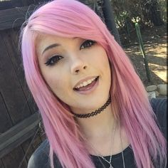 Leda Muir with pink hair Instagram>> she's the cutest!