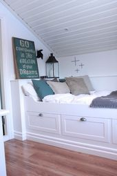 4 Incredible Cool Tips: Attic Apartment Paris attic house remodeling ideas.Attic Home Cabin. Bed Nook, Cozy Nook, Box Room Bedroom Ideas, Attic House, Attic Closet, Attic Wardrobe, Attic Floor, Tiny House, Built In Bed