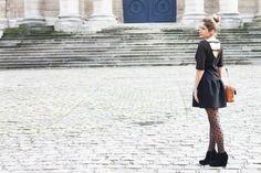 Black swan - Parfaite petite robe noire - Sézane - www.pinketcetera.com