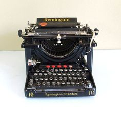 Little Pleasures: Remington Model 10 Typewriter // I want one for my home. :)