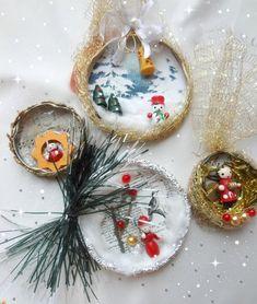 Little Treasures: Bottle / Jar Cap Christmas Ornaments Santa Ornaments, Vintage Ornaments, Christmas Tree Ornaments, Christmas Crafts, Christmas Decorations, Holiday Decor, Christmas Ideas, Wooden Figurines, Star Garland