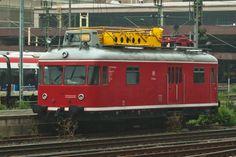 WMD/MBB Service Unit from DB 701 series at Bahnhof Düsseldorf-Eller in North Rhine-Westphalia, Germany Work Train, North Rhine Westphalia, Trains, Germany, The Unit, Train Stations, Deutsch, Train