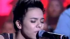 Maria Gadu canta Lanterna dos Afogados no Som Brasil Paralamas do Sucesso - YouTube