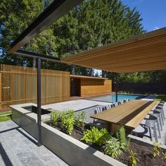 Amantea Architects has added a pool house to an Ontario home to provide washing and changing facilities, while blocking views from an adjacent property. #madeinToronto //@studiogabe.maison
