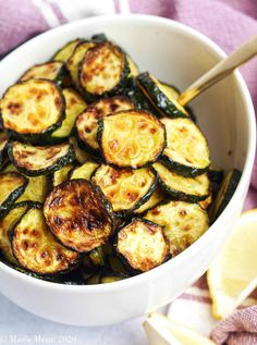 This Air Fryer Zucchini is one of my favorite zucchini recipes! They made a delicious low carb side dish and are super tasty! They're one of my go-to air fryer recipes, especially when the zucchini is fresh and sweet! Make this healthy side dish for dinner this week! #zucchini #zucchinirecipes #healthysidedish #airfryer #airfryervegetables #airfryerzucchini Air Fryer Oven Recipes, Air Frier Recipes, Air Fryer Dinner Recipes, Fall Dinner Recipes, Fall Recipes, Keto Recipes, Low Carb Side Dishes, Healthy Side Dishes, Veggie Dishes