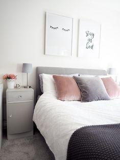 Simple Modern Luxury Bedroom Decor - Decoration for All Bedroom Decor Grey Pink, Grey Bedroom With Pop Of Color, Home Decor Bedroom, Bedroom Ideas, Scandi Bedroom, Grey Bedrooms, Small Grey Bedroom, Bedroom Images, White Bedroom