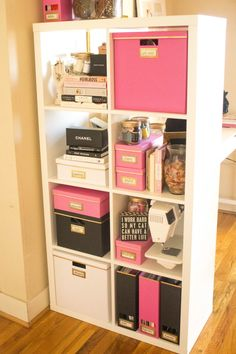 Home Office Decor Small Apartment Organization, Apartment Decorating On A Budget, Room Organization, Organizing, Apartment Design, Bedroom Hacks, Ikea Bedroom, Bedroom Decor, Ikea Dorm