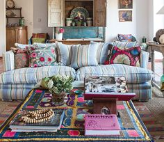 Beautiful textiles- I could live in India