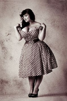 Pin up girl. Plus Size, curves, voluptuous, beauty boost, Look Plus Size, Dress Plus Size, Plus Size Women, Curvy Girl Fashion, Look Fashion, Plus Size Fashion, Mode Rockabilly, Rockabilly Fashion, Rockabilly Wedding