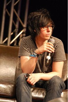 (Destery Moore) CapnDesDes