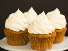 Pumpkin Cupcakes with Cream Cheese Frosting (Brown Eyed Baker) Pumpkin Cupcakes, Fun Cupcakes, Cupcake Cakes, Turkey Cupcakes, Mocha Cupcakes, Delicious Cupcakes, Cupcake Shops, Delicious Recipes, Pumpkin Recipes