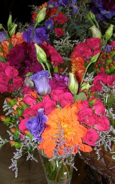 Fall 2012 wedding trends feature beautiful, rich jewel tones. Swan Island dahlias are my feature flower of choice for fall weddings. So gorgeous on their own or combined with roses, berries and lisianthus.
