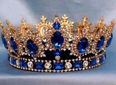 Sapphire, diamond, and gold tiara/crown. Royal Crowns, Royal Tiaras, Tiaras And Crowns, Crown Royal, Pageant Crowns, Pageant Hair, Royal Jewelry, Vintage Jewelry, Gold Jewelry