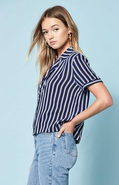 3d0796159356 30 Best fashion images in 2019 | Dressing up, Shell tops, Beautiful ...