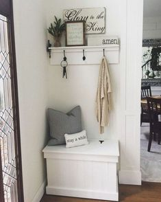 35 Amazing Small Entryway Decor Ideas Foyer and Entryway Ideas Amazing Decor Ent. 35 Amazing Small Entryway Decor Ideas Foyer and Entryway Ideas Amazing Decor Ent… 35 Amazing Sma Halls Pequenos, Room Interior, Interior Design Living Room, Decoration Hall, Decorations, Small Entryways, Amazing Decor, Hallway Decorating, Cheap Home Decor