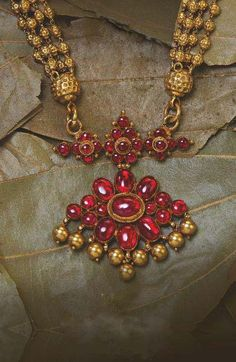 ANTIQUE FINISHING UNCUT RUBY NECKLACE FROM ARNAV JEWELLERY