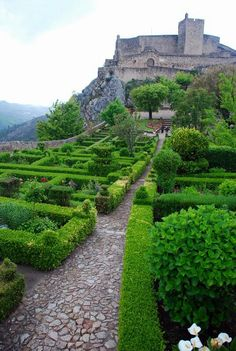 Castelo de Marvão Distrito de Portalegre - Alto Alentejo - Portugal Visit Portugal, Spain And Portugal, Portugal Travel, Beautiful Castles, Beautiful Gardens, Beautiful Places, Amazing Places, Marvao Portugal, Bon Plan Voyage