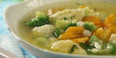 Bistra supa od povrca - karfiol, brokoli, sargarepa, tikvice i knedle