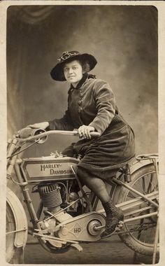 """One cylinder, and pedals! Probably (mostly) for starting (in lieu of a kick-start) but also handy when out of petrol (technically it's a moped). ~ Miks' Pics """"Bikes, Trikes and Unicycles ll"""" board @ http://www.pinterest.com/msmgish/bikes-trikes-and-unicycles-ll/"""