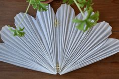 DIY: SNÖBLOMMA | leitntos Christmas Diy, Christmas Decorations, Diy And Crafts, Paper Crafts, Ark, Advent, Snowflakes, Origami, Projects To Try