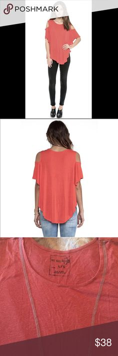 FREE PEOPLE Seamed Cold Shoulder Rust Tee Top L NEW Free People Cold Shoulder Seamed Tee Brand New~ We the Free Cold Shoulder Seamed Tee Drapy and oversized cold shoulder tee with contrast stitching, rounded hem, and raw seams in a cotton linen blend in RUST color. Size Large ~ absolutely no flaws. No trades please  Free People Tops Tunics
