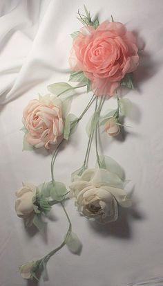 Лиана в прическу Silk Ribbon Embroidery, Embroidered Roses, Ribbon Embroidery Tutorial, Rose Embroidery, Embroidery Thread, Embroidery Letters, Embroidery Designs, Machine Embroidery, Tule Flowers