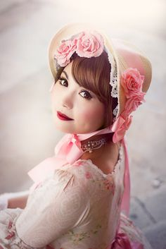 Auris lothol wearing lolita fashion  Dress: Yolanda Necklace: Metamorphose temps de fille shoes: dreamV Gloves: from the Jane Austen centre Bonnet: Taobao