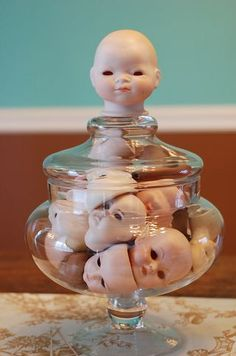 """My jarful of creepy doll heads wish you a Happy Halloween!"" Love this idea! Halloween Prop, Casa Halloween, Halloween Crafts, Happy Halloween, Halloween Decorations, Halloween Witches, Halloween Quotes, Freakshow Halloween, Creepy Baby Dolls"