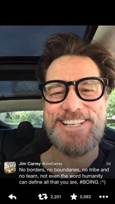 Oh Sh*t Jim Carrey??!!!.. ☺️Russell Crowe A.K.A Rusty A.k.a RC started a trend!!!.. I was going to tweet JC and Bam!!!!..I wasn't ready!!!   #RussellCrowe #BradPitt #JimCarrey #Triplets #Clones