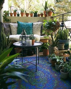 Bohemian Patio Diy Small Spaces New Ideas Small Balcony Decor, Outdoor Balcony, Small Patio, Outdoor Decor, Outdoor Spaces, Balcony Ideas, Patio Ideas, Outdoor Lighting, Veranda Design