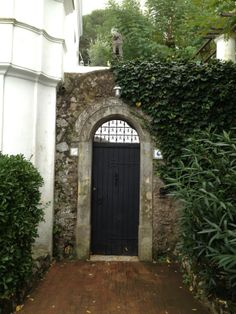 gorgeous side entrance in beautiful Anti Capris, Italy - fall 2013