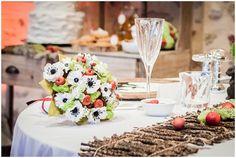 Snow white table | Fairytale weddding theme on French Wedding Style © Rebecca V. Plasticienne Photographe Photographe Mariage Ile de France Normandie