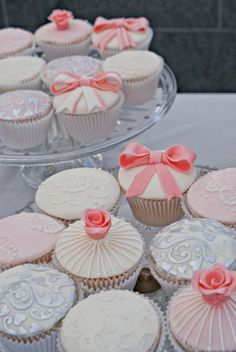 Vintage Wedding Cupcakes  @Jennifer Lewis - OK, now these are adorable too. Pinker pink