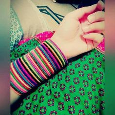 Discovered by Aıshā ツ. Find images and videos about girly and bangles on We Heart It - the app to get lost in what you love. Thread Bangles Design, Silk Thread Bangles, Cute Girl Poses, Cute Girl Pic, Stylish Girls Photos, Stylish Girl Pic, Antique Jewellery Designs, Antique Jewelry, Bridal Chura