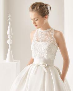 Cotton satin and silk organza wedding gown. Rosa Clará 2017 Collection.