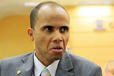 Após citação de mensalão, vereador usa afastamento de Dilma em defesa http://colunagianizalenski.blogspot.com/2016/07/apos-citacao-de-mensalao-vereador-usa.html
