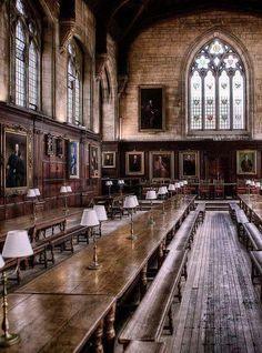 Oxford University - (England)