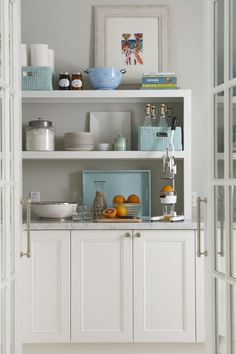 molly frey designs, coastal kitchen, kitchen, white cabinets, open shelving, aquamarine