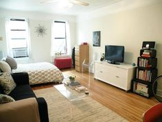 Small Space Lessons: Floorplan & Solutions From Tamar's Sunny Studio