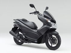 Honda PCX150.... I will own you one day!