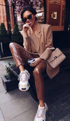 Что носить этой осенью: 30 модных повседневных образов на 2018 Ootd, Outfits, How To Wear, Ideas, Outfit, Suits, Kleding, Thoughts, Dresses