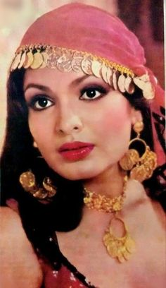 80s Actresses, Indian Actresses, Parveen Babi, Bollywood Outfits, Vintage Bollywood, Asian Makeup, Asian Celebrities, Bollywood Stars, Halloween Outfits