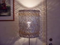 tölkin nipsuista - Google-haku Pop Cans, Chandelier, Ceiling Lights, Lighting, Home Decor, Google, Pop Tabs, Candelabra, Decoration Home