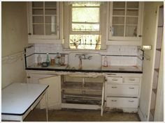 craftsman kitchen 1920 | 1920s Bungalow Kitchens....nice to see an actual picture of the remnants of one!