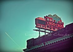 Chattanooga Choo Choo neon sign at dusk (Tennessee) Loved living in Chattanooga!
