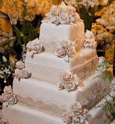 Delicado bolo da Piece of Cake Foto: Luciana Cattani